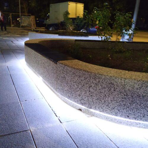 Радиусные скамейки с подсветкой